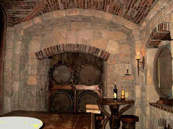 Farmhouse for Garage wine cellar